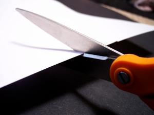 Scissors-cutting-paper-Morguefile-file00021174926072